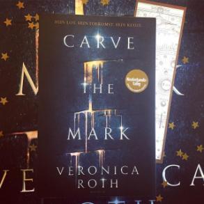 carve_the_mark_met_sterretjes